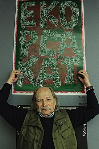 Altintas Yurdaer s plakátem Jana Rajlicha ml.