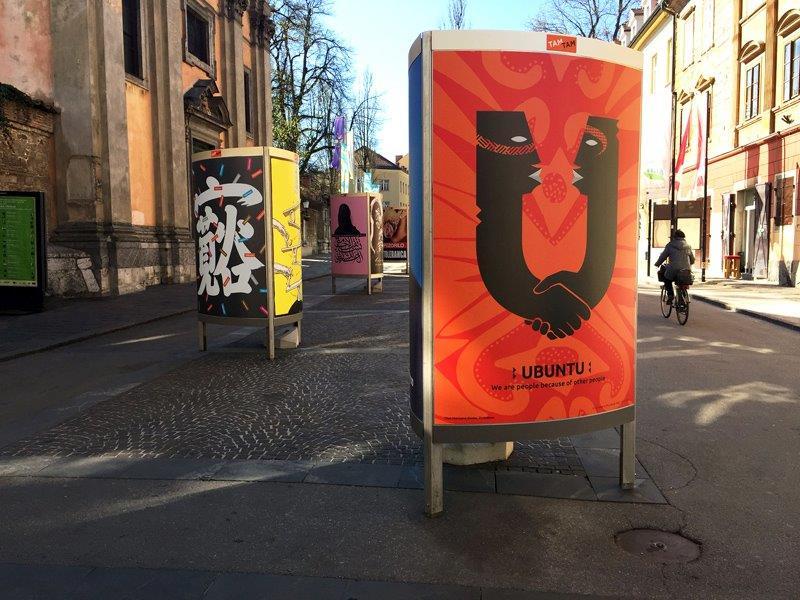 Plakát Tolerance od Chaze Maviyana-Daviese vystavený v Lublani